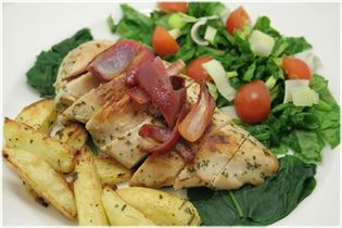 Chicken with lemon and red onion