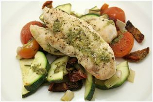 Chicken with pesto and roasted vegetables