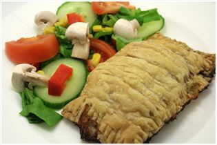 Beef mince pasties with salad
