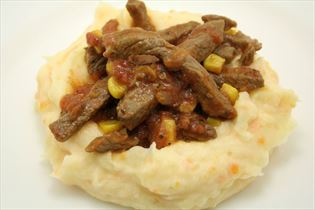 Mashed potato with beef strips