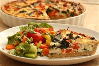 Chicken tart with salad