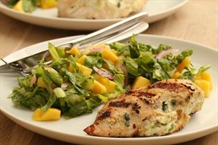 Stuffed chicken breast with mango salad