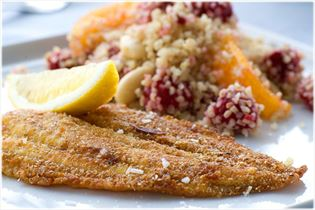 Crisp-fried plaice fillet with bulgur salad