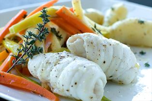 Plaice rolls with herbs