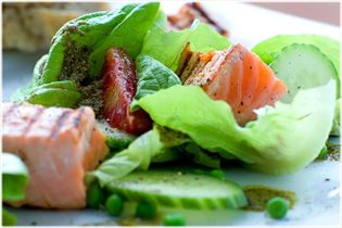 Crisp salad with grilled salmon and peas