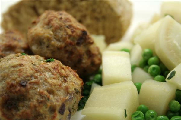 Rissoles with peas and celeriac