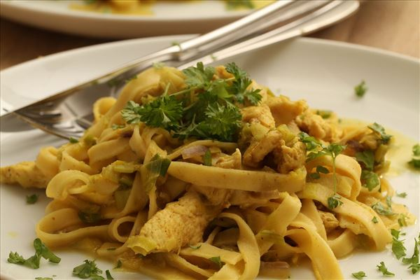 Curried chicken with pasta