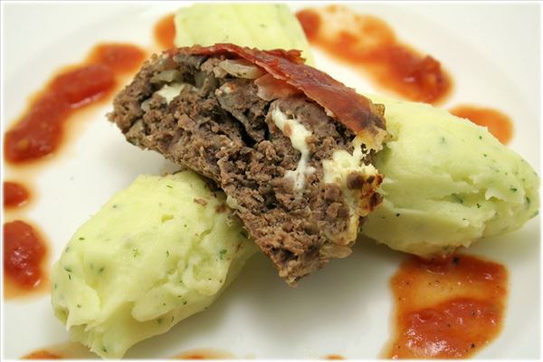 Meatloaf and tomato