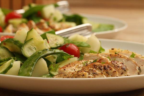 Chicken with melon salad